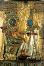 egypt_tut_wife_throne